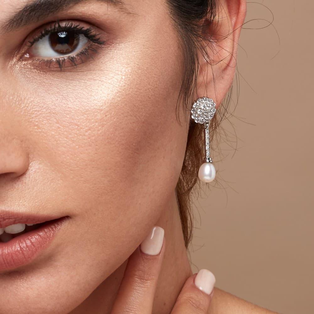 9253cf946ddb Pendientes de novia joyeria nupcial boda oro blanco 18 kilates perla  cultivada elegantes vintage